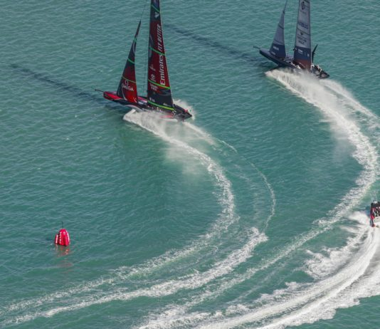 17/12/20 - Auckland (NZL) 36th America's Cup presented by Prada Race Day 1 Emirates Team New Zealand, New York Yacht Club American Magic